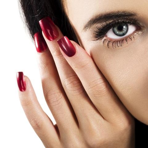 Nutricosméticos para o fortalecimento de cabelos e unhas